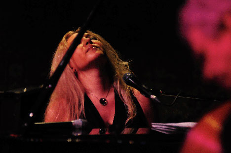 Eliane Elias at the Toronto Jazz Festival (DownBeat, 7/2/13) At the Toronto Jazz Festival in late June, perhaps my favorite moments were with the astonishing Brazilian pianist/singer Eliane Elias and her trio. Here's the first of my two festival reviews in DownBeat.