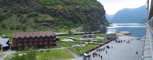 QM2 voyage to Norway - Flaam